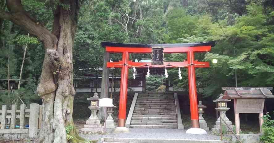 京都市西京区にある「月読神社」