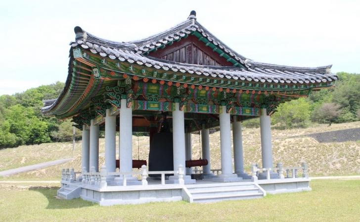 日韓友好の鐘