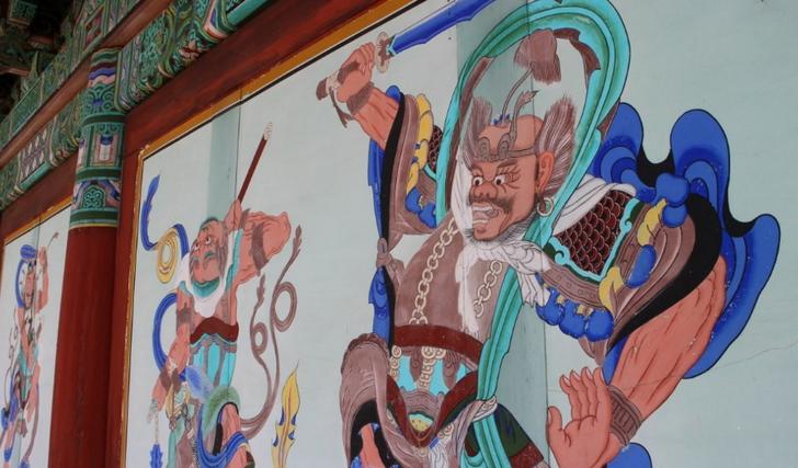 本堂の壁面2