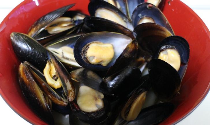 ムール貝のガーリックバター蒸し