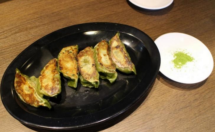 宇治抹茶餃子 6個入 350円