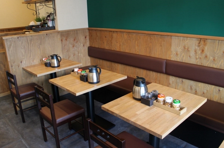 テーブル席もありました