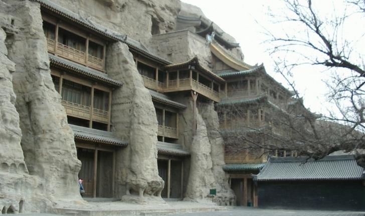 中国にある「雲崗の石窟」