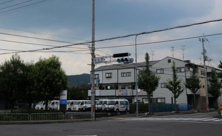 京都・桂上野(かつらかみの)の交差点にある信号