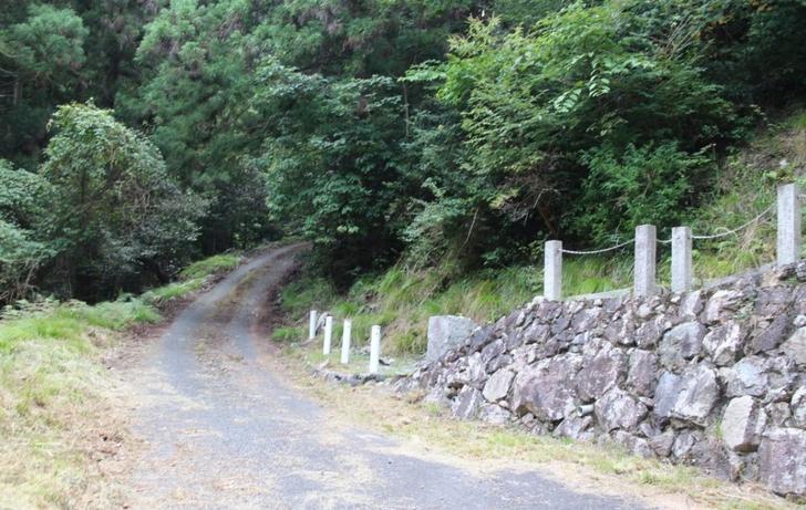 金比羅神社の名水は金比羅神社のさらに道の先にあります