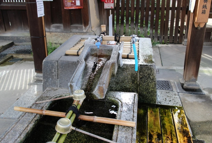 下御霊神社の「感応水」(かんのうすい)