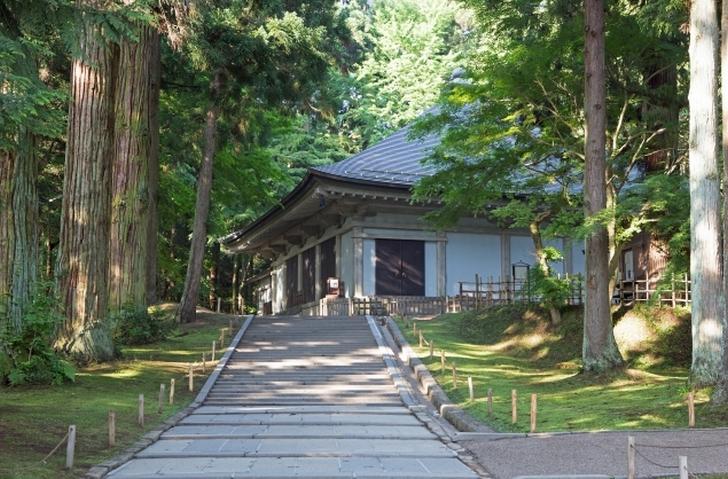 岩手県・平泉の歴史的名所 「中尊寺」