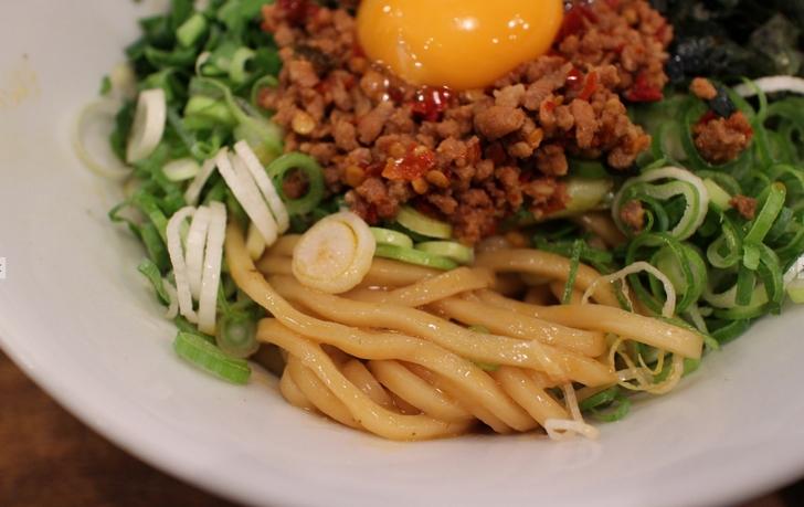 麺は太麺だけど適度なやわらかさで食べやすい麺でした