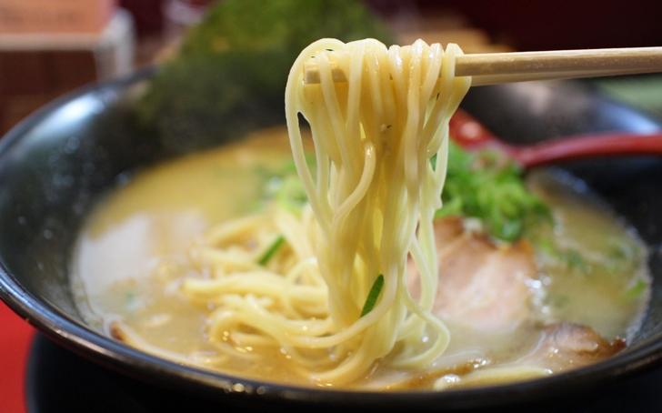 麺は関西の「中太麺」