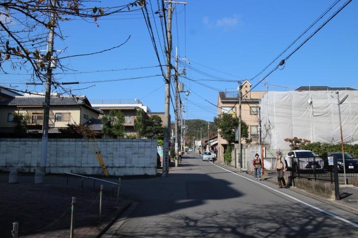 例年通りなら11月第三週は大渋滞になる鷹峯・源光庵への道