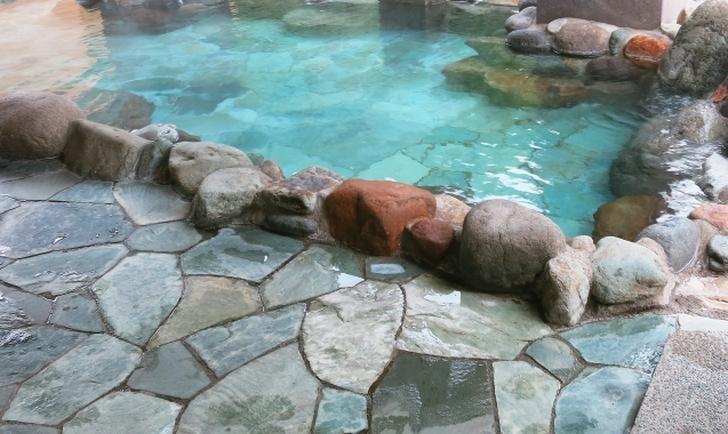 温泉といえば露天風呂に景色が見られるところを想像しますが・・・・