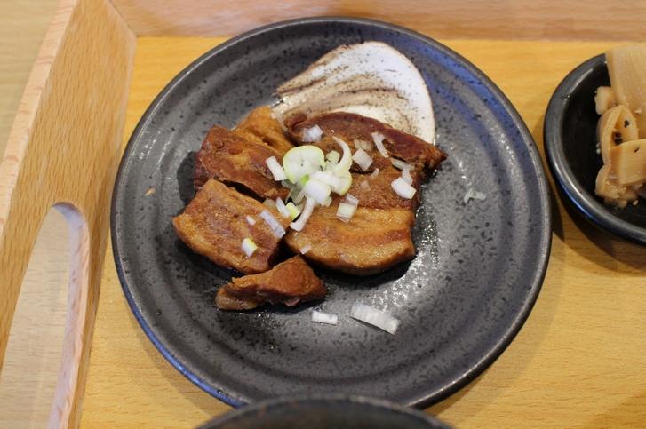 セットの豚角煮 甘くて美味しかったです