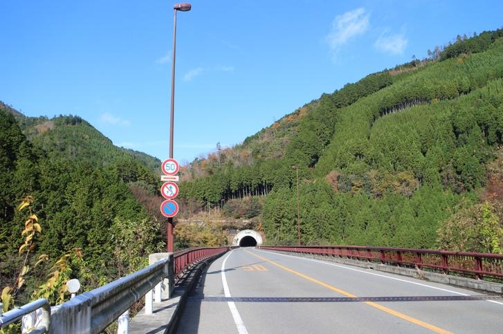 京都・京北は市街から国道162号で行くことができ、最近はバイパスのトンネルが増設されて便利になりました