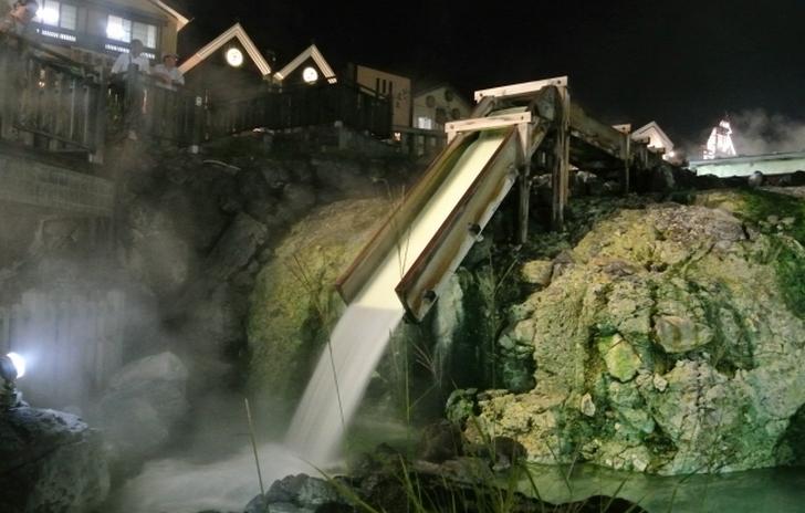 草津温泉の名物といえば「湯畑・湯もみ・温泉まんじゅう」(写真は湯畑)