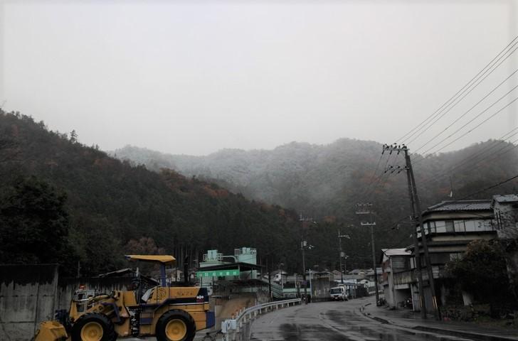 西賀茂の山は山頂が冠雪していました