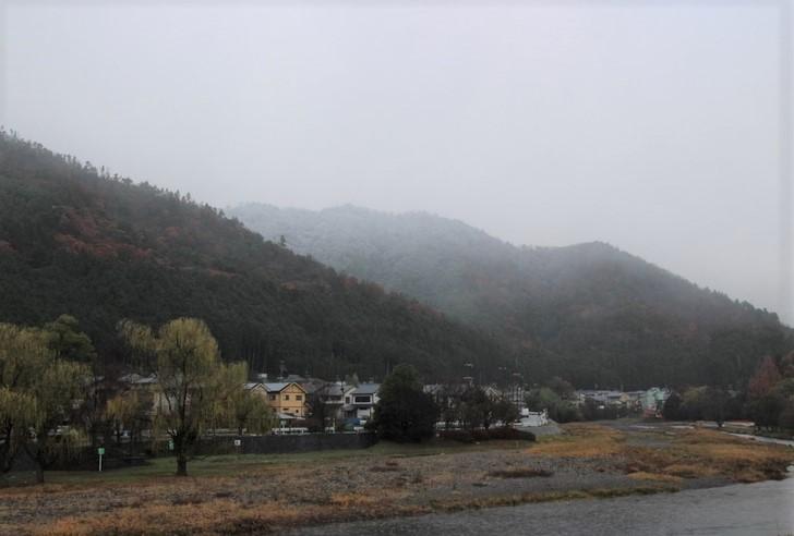 西賀茂山頂に積雪を発見!