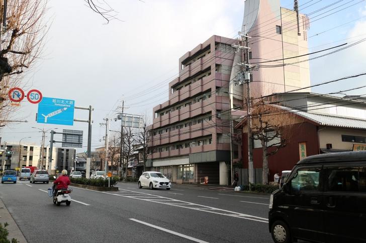 西大路通(金閣寺道)は雪が降っていませんが・・・・