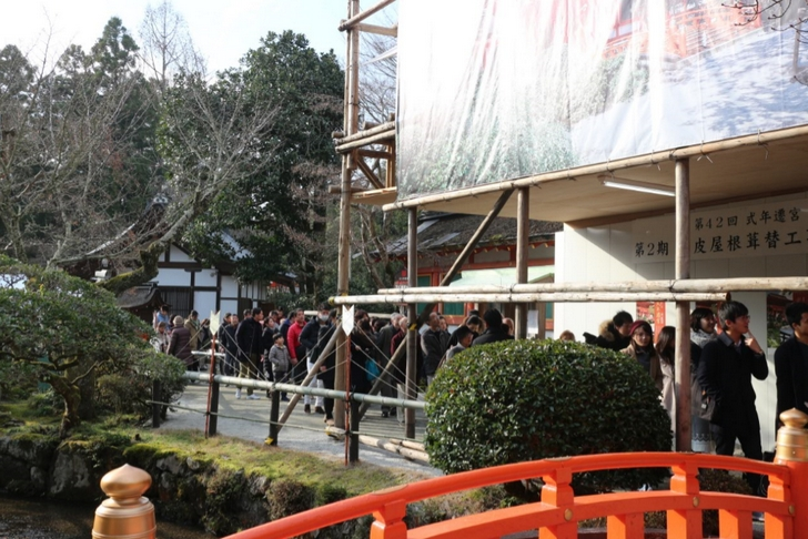 上賀茂神社の社殿まで少し行列がありますが流れは速いです