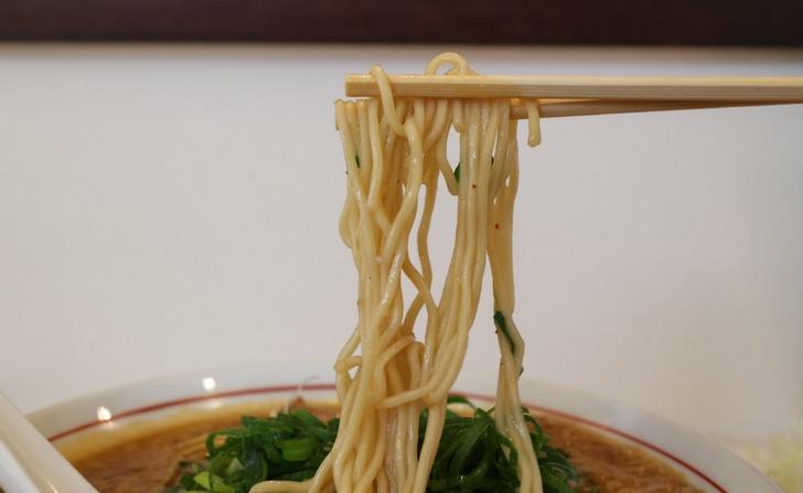 円満ラーメンの麺(再訪して撮影・追加)