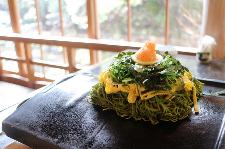 山口名物「瓦そば」が京都でも食べられる「瓦そば 松右衛門」