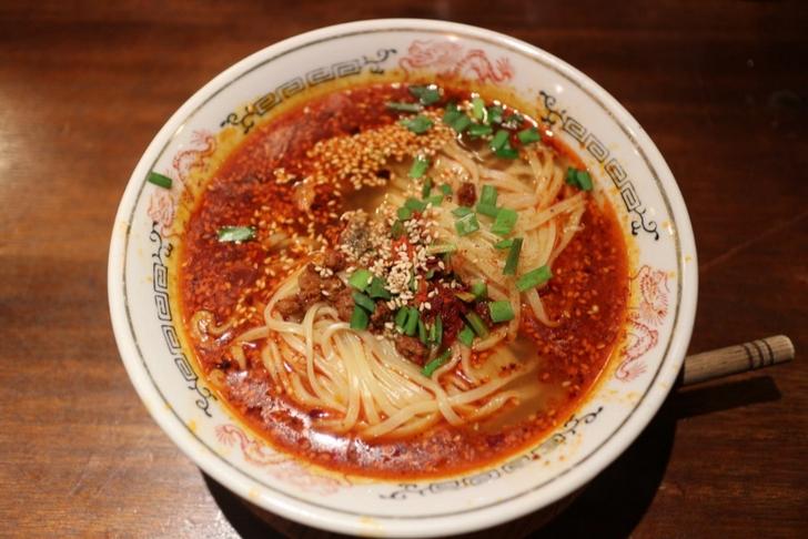 紅麻辣担々麺 880円