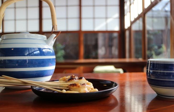 京都でも食べられる場所が限定される「あぶり餅」