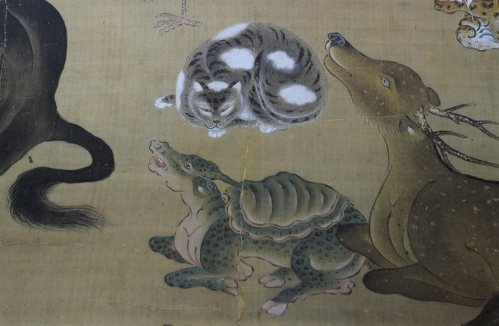 猫(ネコ)は長い間涅槃図には描かない動物とされてきました