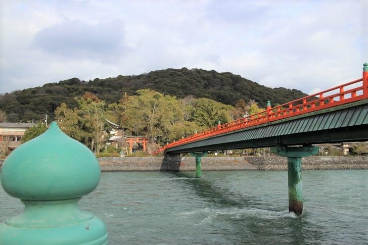 『赤ずきんちゃん』で京都の宇治川が紹介されるようです