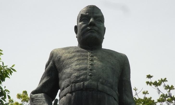 鹿児島といえば西郷隆盛ですが奄美大島出身の息子が京都市長になっています