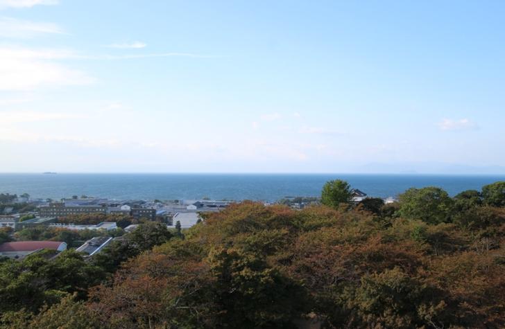 彦根城から見る琵琶湖はまるで海でした