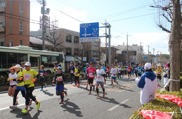 当日は片側一車線で京都市バスなどは通行していました