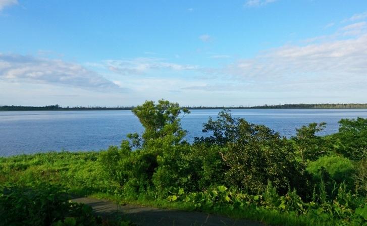 根室湾(外海)とつながっている湖「風蓮湖(ふうれんこ)」