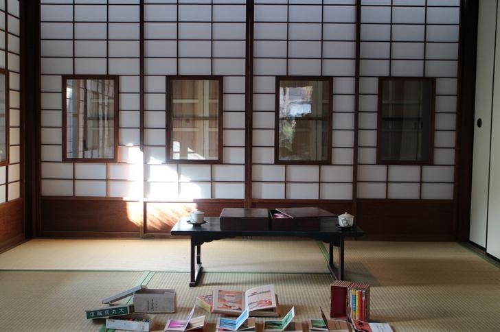 昭和初期の小物や雑貨が展示されていました