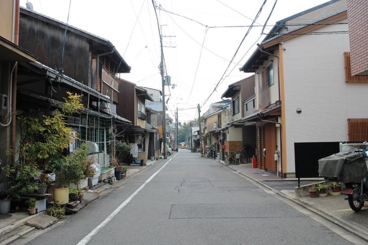 京都・北野天満宮のすぐ北のエリア お店があるようには見えませんが?