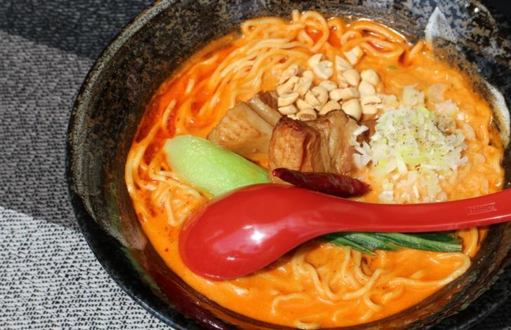 濃厚クリーミー担々麺(900円)