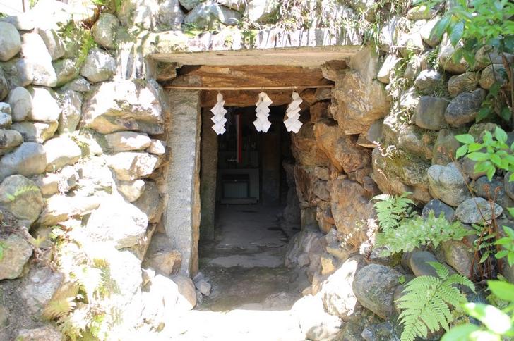 自由に玄室へ入れる京都の天塚古墳
