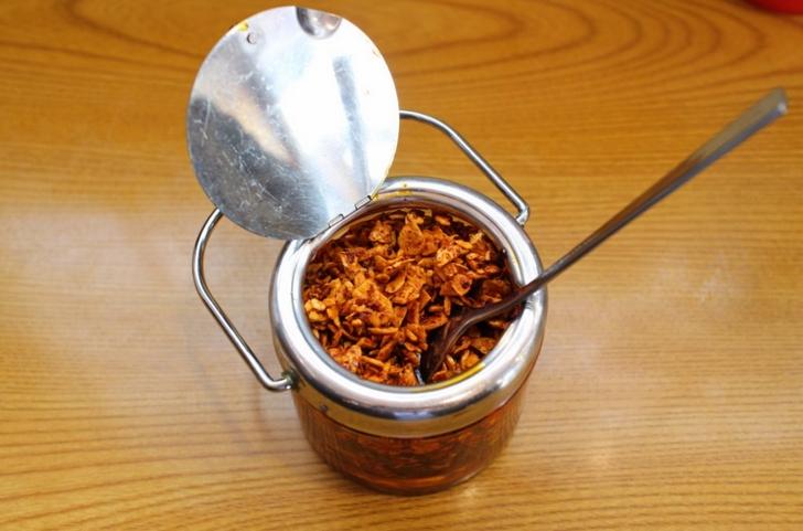 ニンニクチップの食べるラー油