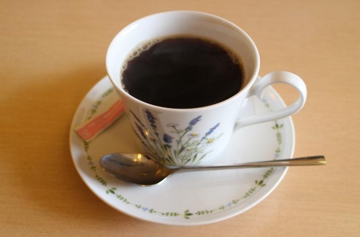 食後にはコーヒーで一服