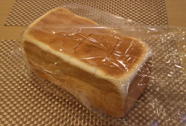 一斤 800円の超高級食パンです