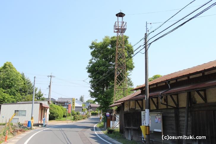 ファインダーの女子高生が住んでいると推測される「京都府亀岡市千歳町」の風景