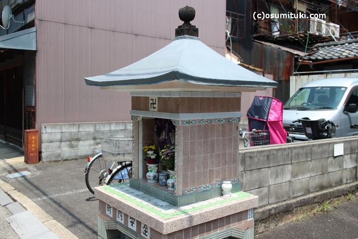 京都にあるコノ祠に何か違和感を感じませんか?