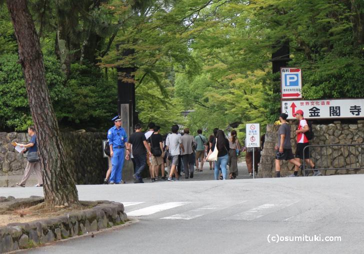 2017年7月2日の京都・金閣寺前