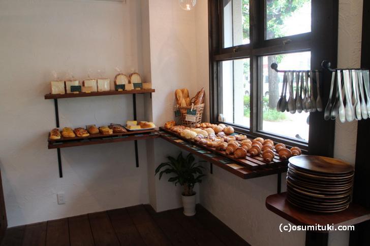 パンがきれいに並んでいます(撮影許可済)