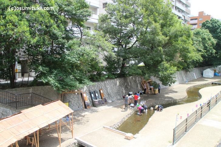 一条戻橋(京都)でイベント設営中(8月4日)