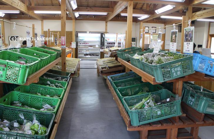 野菜を道の駅で売るより、加工したほうが収益は当然あがります