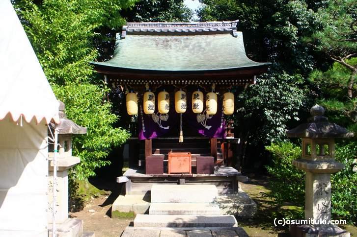 大酒神社 小さい社の神社ですが歴史はあります