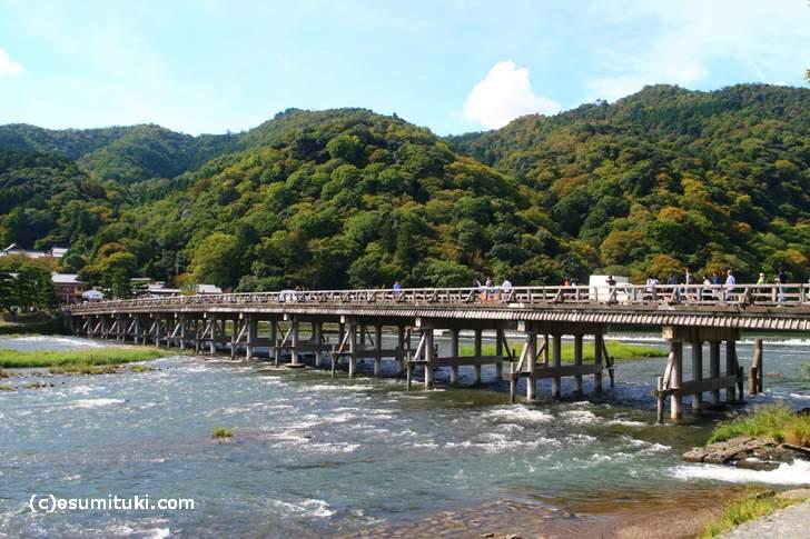 2017年10月8日、京都・嵐山は少し紅葉が見えます