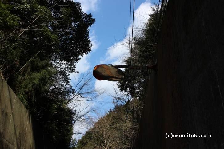 京都にある謎のカーブミラー