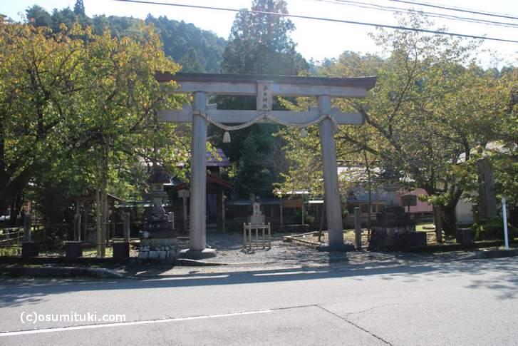 京都・京北「春日神社」付近から府道361号へ抜ける林道がある