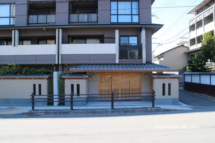 「ザ・京都レジデンス岡崎」の玄関
